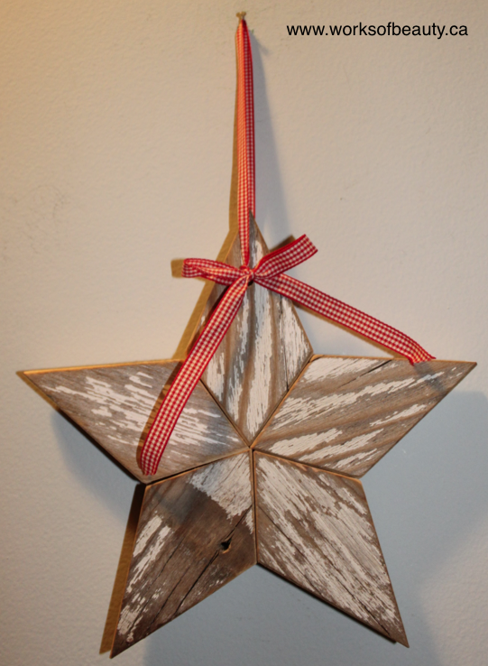 Picture of a rustic star made of wood